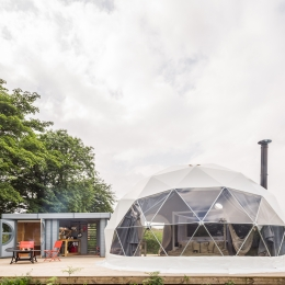 Eyl glamping geodome outside