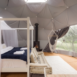 Eyl glamping geodome interior